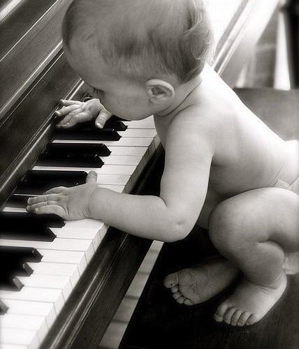 bébé au piano par david bonnin pianiste, évènements, concerts, savoie, Lyon, Suisse
