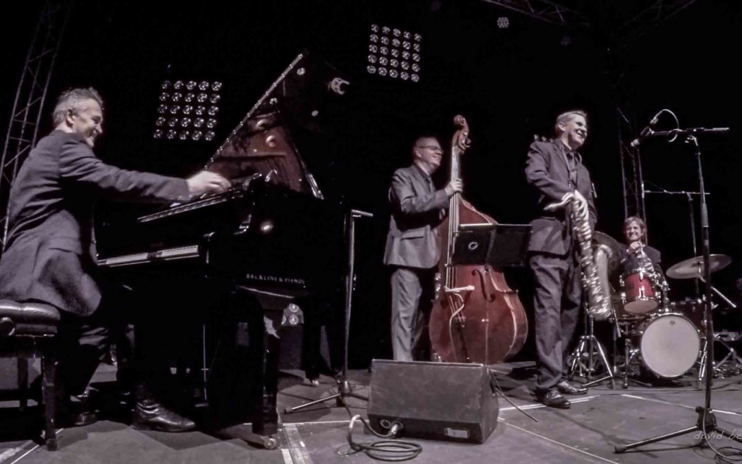 Cool Jazz Trio – Jiva Hill Live Jazz