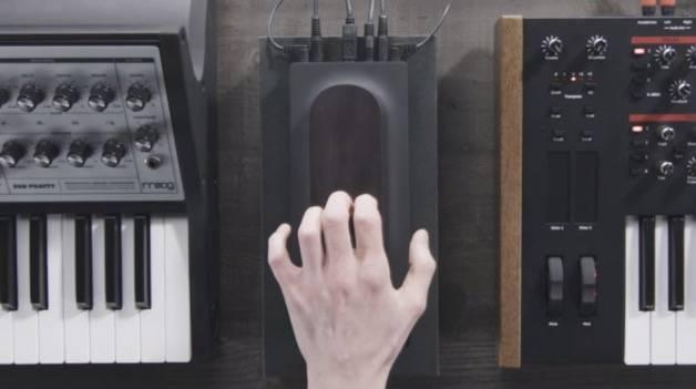 """""""Touché"""" ou la notion d'expressivité dans les musiques synthétiques et électroniques."""