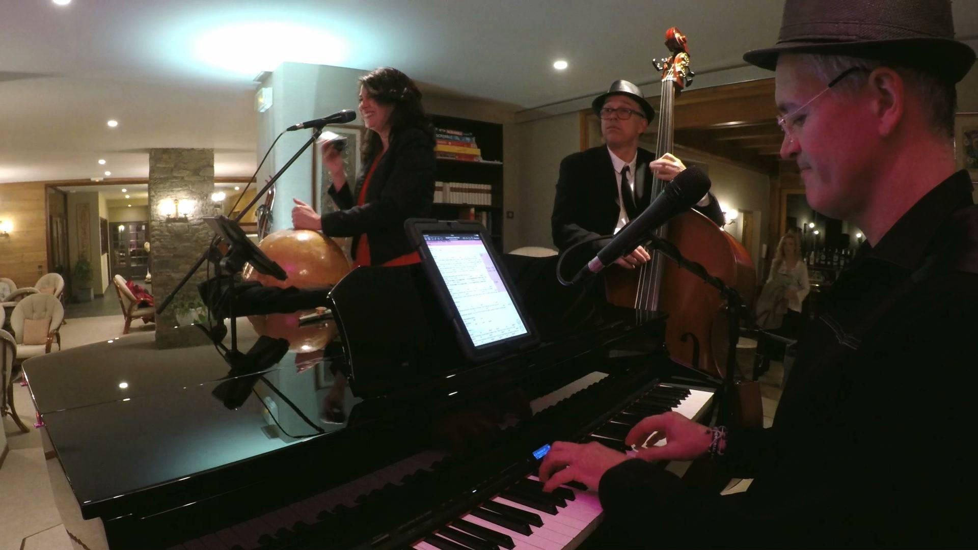 Swingy Bang Band trio – Méribel