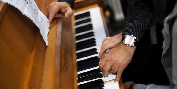 Conseils et exercices pour le placement correct des mains au piano