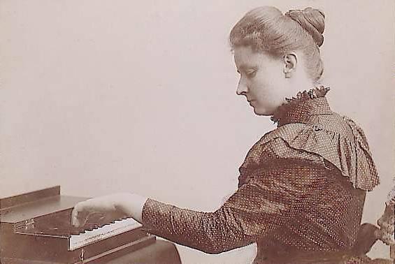 Méthode du poids du bras au piano