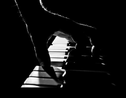 pratiquer le piano lorsque votre corps est douloureux