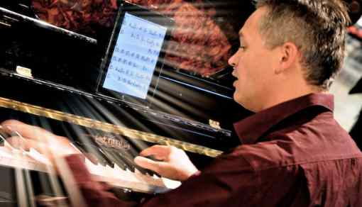 David-bonnin-pianiste-solo-savoie-SUISSE