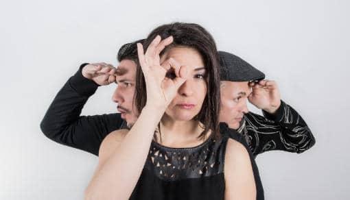 Crazy Box, avec Speaker B, Delphine Hocquet au chant et aux percussions et david bonnin au Claviers