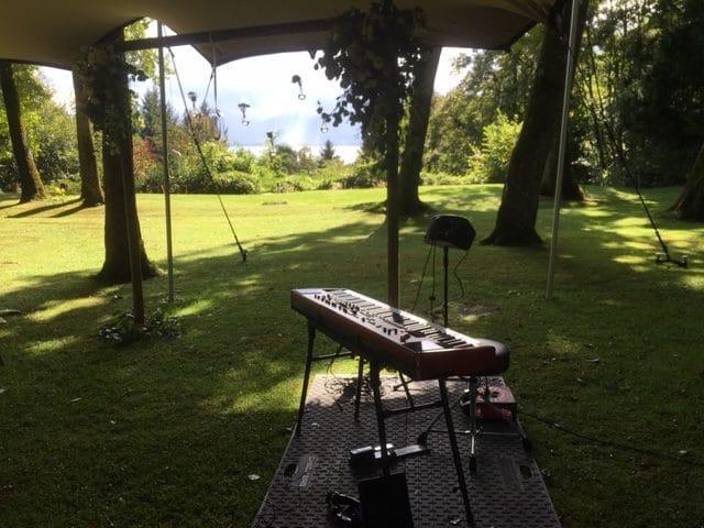 david bonnin, Pianiste, cérémonie de mariage et vin d'honneur, à Le domaine des Bois Chamblard (EPFL) à Buchillon, Suisse