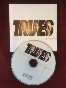 Trues album pochette et CD
